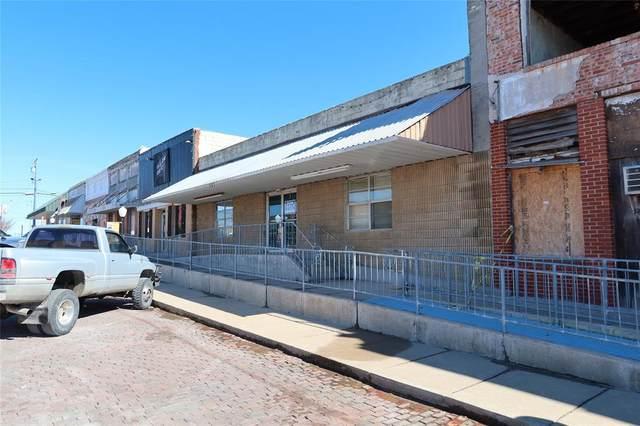 207 N Smythe Street, Bowie, TX 76230 (MLS #14520738) :: The Tierny Jordan Network