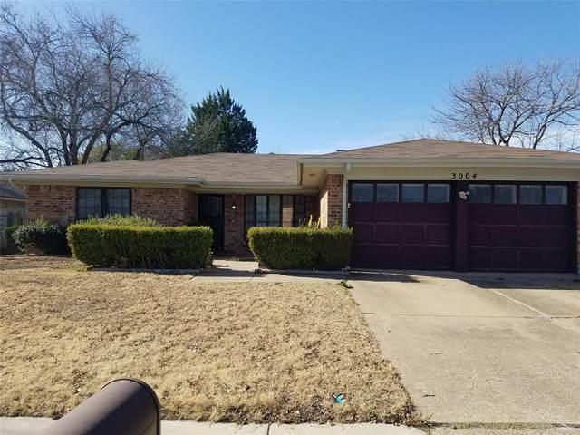 3004 Sunnybrook Lane, Arlington, TX 76014 (MLS #14520884) :: The Kimberly Davis Group