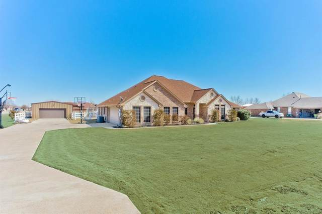 1800 Clover Springs Drive, Haslet, TX 76052 (#14521079) :: Homes By Lainie Real Estate Group