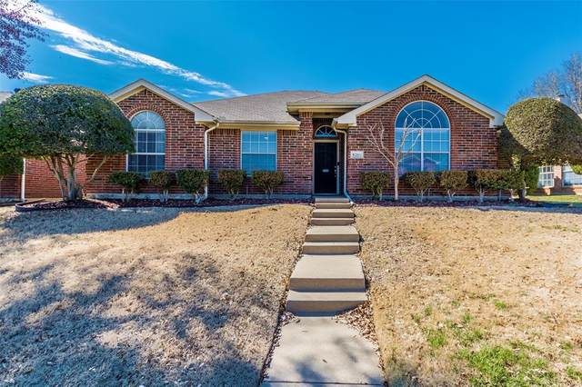 8201 Bells Street, Frisco, TX 75035 (#14521585) :: Homes By Lainie Real Estate Group