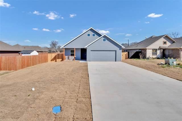405 N Montague Street, Pilot Point, TX 76258 (MLS #14521627) :: Jones-Papadopoulos & Co