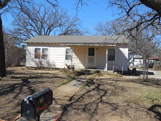 305 S Virginia Avenue, Eastland, TX 76448 (MLS #14521825) :: The Kimberly Davis Group