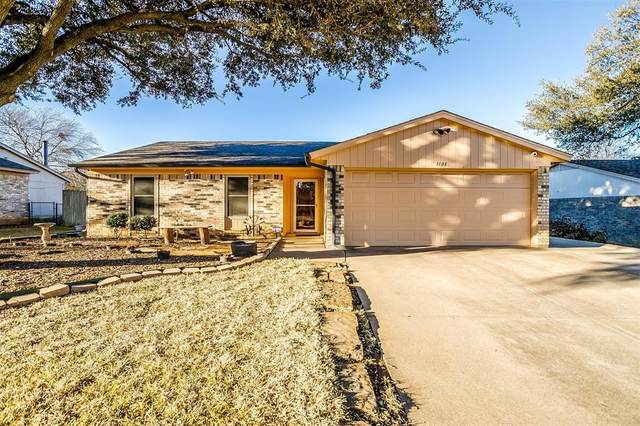1108 Lee Ann Street, Crowley, TX 76036 (MLS #14522041) :: Jones-Papadopoulos & Co