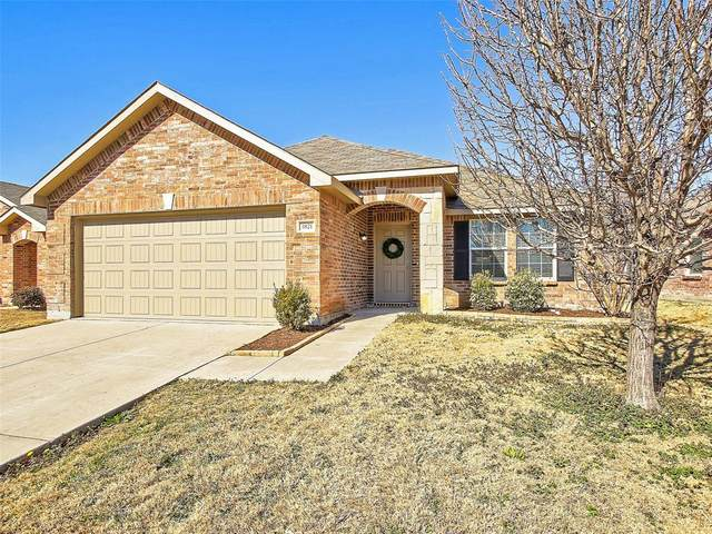 1821 Nightingale Drive, Aubrey, TX 76227 (MLS #14522149) :: The Barrientos Group