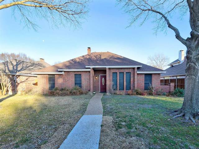 2702 Foxboro Drive, Richardson, TX 75082 (#14522274) :: Homes By Lainie Real Estate Group