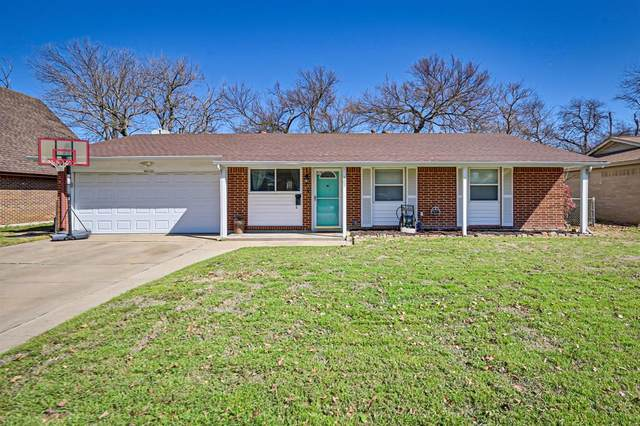 305 SE Robert Street, Burleson, TX 76028 (MLS #14522282) :: All Cities USA Realty