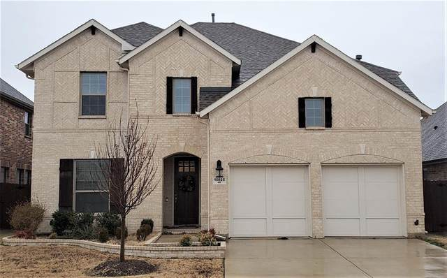 15025 Ravens Way, Fort Worth, TX 76262 (#14522828) :: Homes By Lainie Real Estate Group