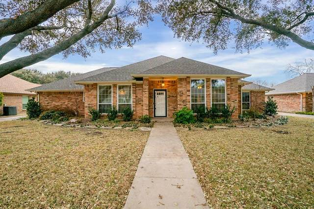 4204 Lake Breeze Drive, Benbrook, TX 76132 (MLS #14522855) :: Post Oak Realty