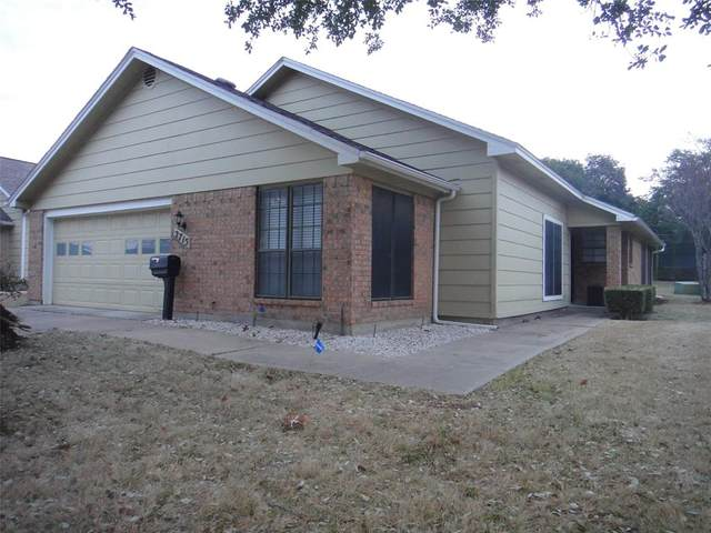 2715 Glenwood Court, Carrollton, TX 75006 (MLS #14523175) :: Team Tiller