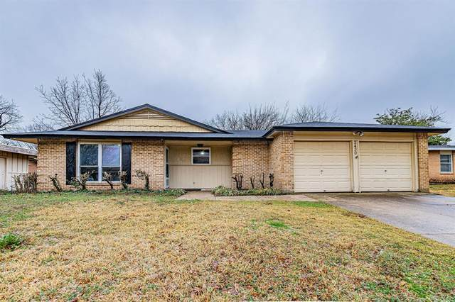 2430 Cloverdale Street, Arlington, TX 76010 (#14523353) :: Homes By Lainie Real Estate Group