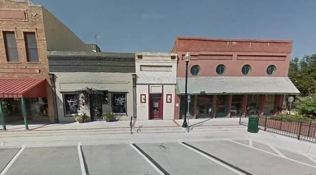 102 W Main Street, Pilot Point, TX 76258 (MLS #14523540) :: RE/MAX Landmark
