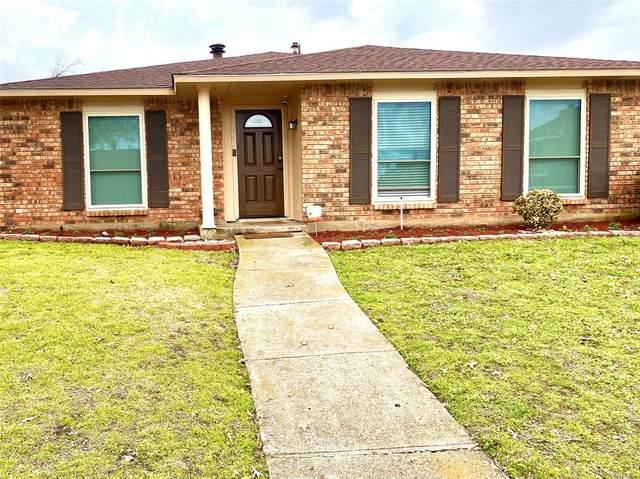 107 S Young Boulevard, Desoto, TX 75115 (MLS #14523684) :: Team Tiller