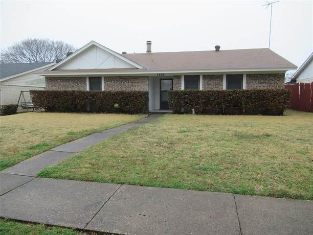 1435 Creekwood Lane, Mesquite, TX 75149 (MLS #14524160) :: The Kimberly Davis Group
