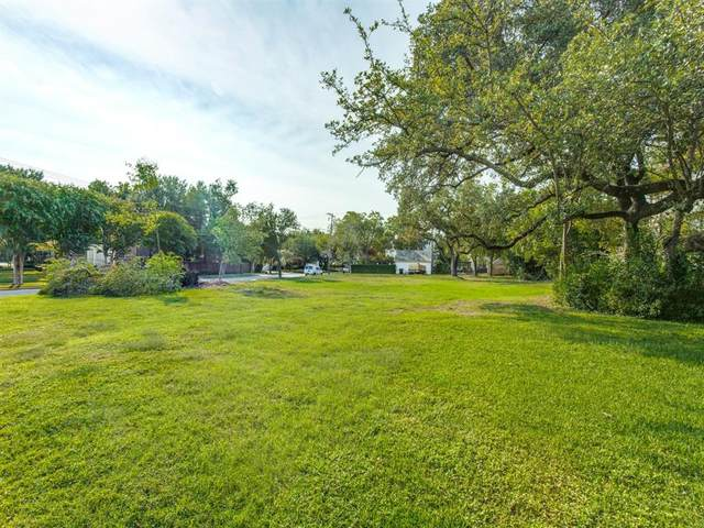 4301 Armstrong Parkway, Highland Park, TX 75205 (#14524646) :: Homes By Lainie Real Estate Group