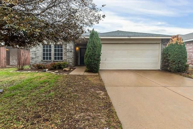 5301 Royal Burgess Drive, Fort Worth, TX 76135 (MLS #14525039) :: Robbins Real Estate Group