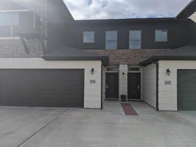 301 W 31st Street #202, Bryan, TX 77803 (MLS #14525086) :: Premier Properties Group of Keller Williams Realty