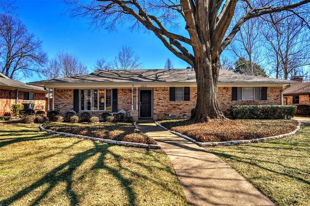 2813 Dover Drive, Sherman, TX 75092 (#14525381) :: Homes By Lainie Real Estate Group