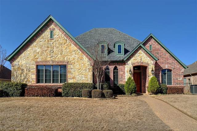 7909 Country Oak Drive, North Richland Hills, TX 76182 (MLS #14526146) :: Craig Properties Group