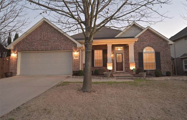 2404 Vintage Drive, Arlington, TX 76001 (MLS #14526450) :: Lyn L. Thomas Real Estate | Keller Williams Allen