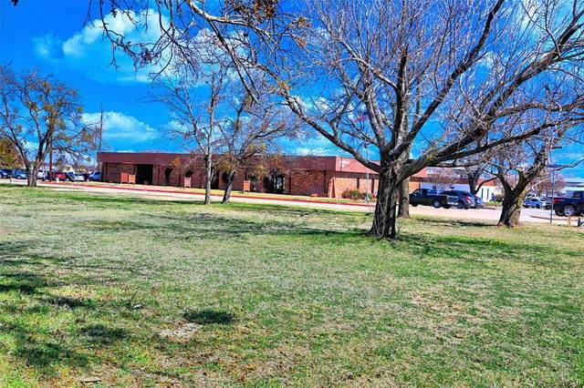 1512 W Pearl Street, Granbury, TX 76048 (MLS #14526895) :: The Kimberly Davis Group