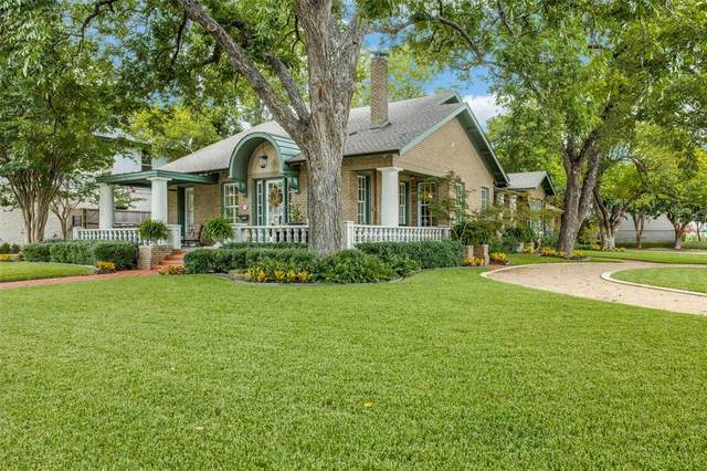 6135 Tremont Street, Dallas, TX 75214 (#14527037) :: Homes By Lainie Real Estate Group