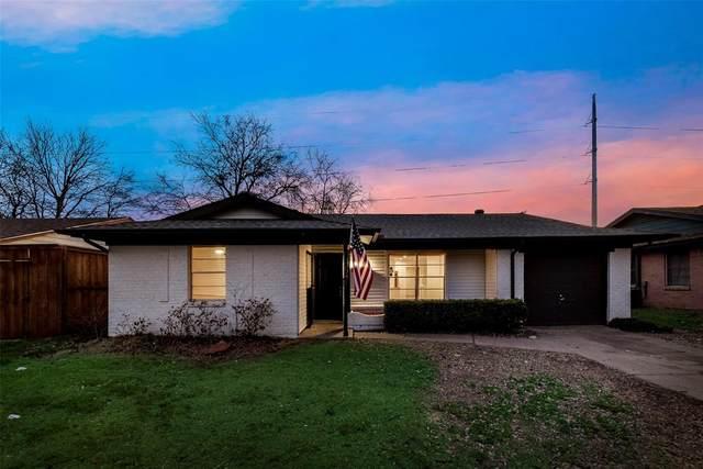 2618 Brady Lane, Grand Prairie, TX 75052 (MLS #14527178) :: The Chad Smith Team