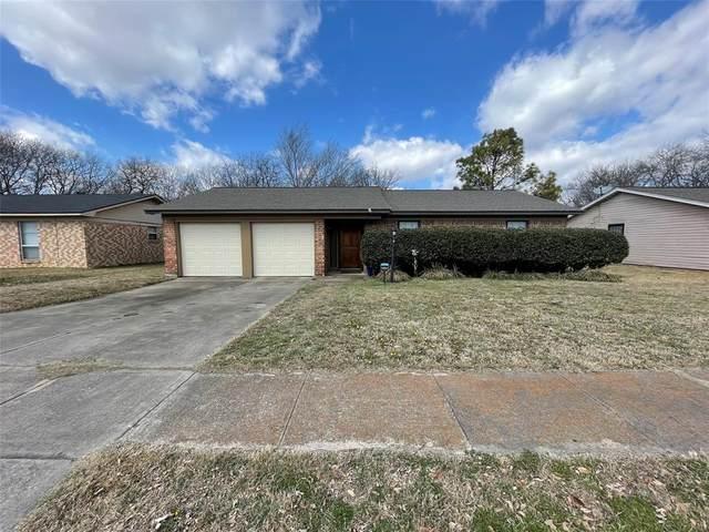 640 Sue Ann Lane, Burleson, TX 76028 (MLS #14527219) :: Team Tiller
