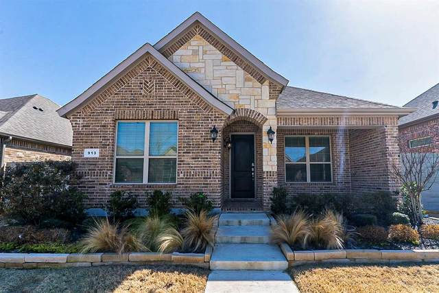 913 10th Street, Argyle, TX 76226 (MLS #14527667) :: Team Tiller