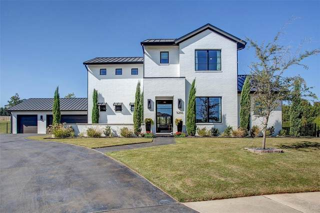 5200 Sendero Drive, Benbrook, TX 76126 (#14527671) :: Homes By Lainie Real Estate Group