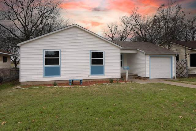 2106 N Alexander Street, Sherman, TX 75092 (#14528192) :: Homes By Lainie Real Estate Group