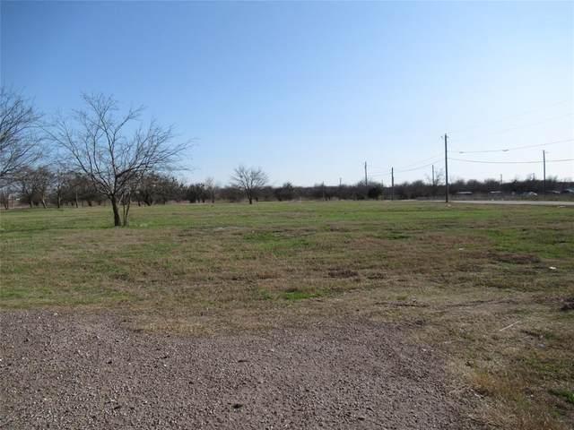 1105 E Quinlan Parkway, Quinlan, TX 75474 (MLS #14528458) :: The Kimberly Davis Group