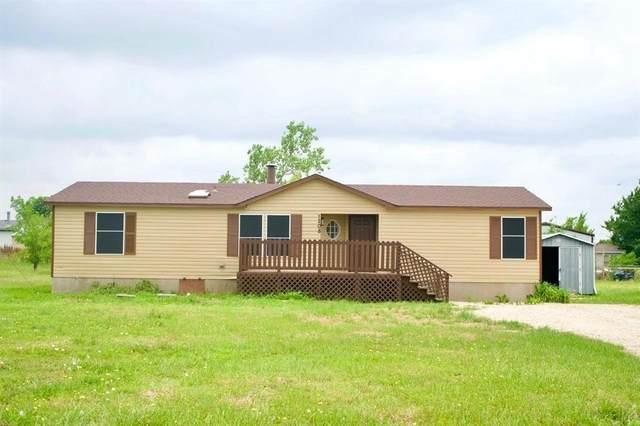1208 Calle Lane, Venus, TX 76084 (MLS #14529985) :: Real Estate By Design