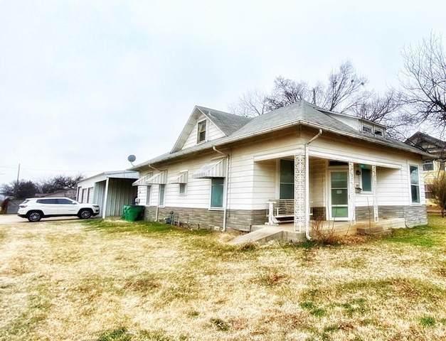 301 W Belknap Street, Jacksboro, TX 76458 (MLS #14530992) :: Team Hodnett
