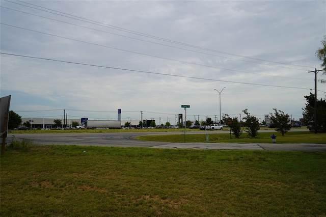365 N Field, Burleson, TX 76028 (MLS #14531069) :: Rafter H Realty