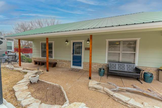 412 Rock Harbor, Granbury, TX 76048 (MLS #14535139) :: Trinity Premier Properties