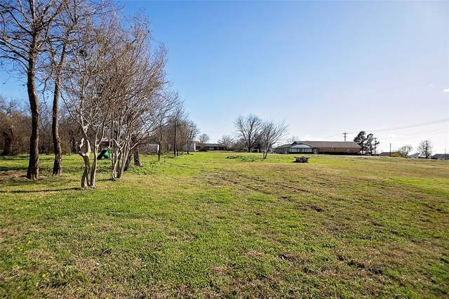 512 W Main Street, Whitesboro, TX 76273 (MLS #14535203) :: Hargrove Realty Group
