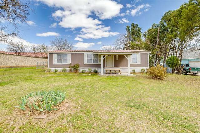 115 S Tower Street, Weatherford, TX 76086 (#14535612) :: Homes By Lainie Real Estate Group
