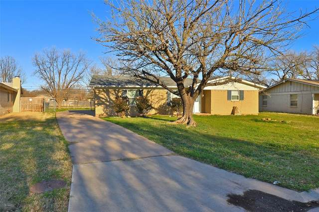 2502 Glenwood Drive, Abilene, TX 79605 (MLS #14535883) :: Frankie Arthur Real Estate