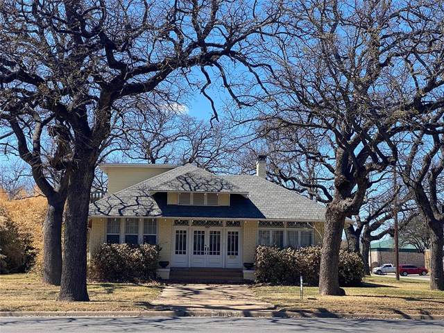 800 Elm Street, Graham, TX 76450 (MLS #14536246) :: The Chad Smith Team