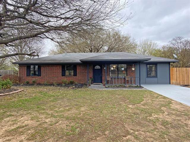 200 Bateman Place, Bullard, TX 75757 (MLS #14537388) :: Team Hodnett