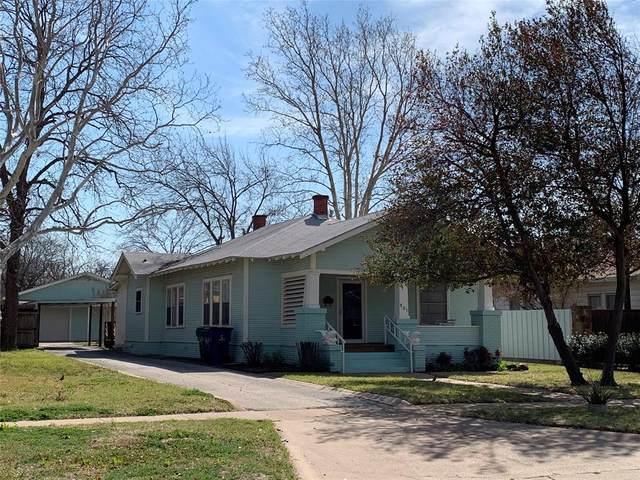 805 Virginia Street, Graham, TX 76450 (MLS #14538055) :: Team Hodnett