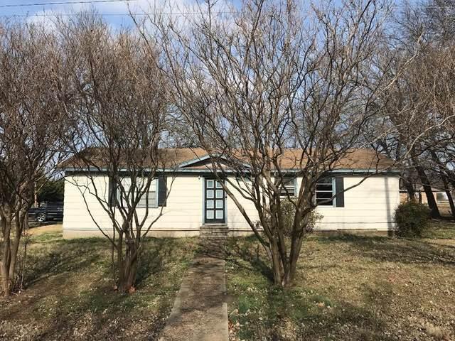 302 E Spruce Street, Whitewright, TX 75491 (MLS #14539940) :: Team Hodnett