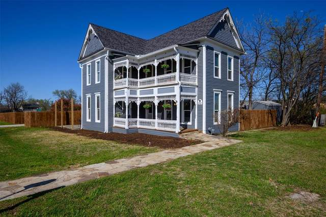 313 Elm Street, Sanger, TX 76266 (MLS #14541105) :: The Mauelshagen Group