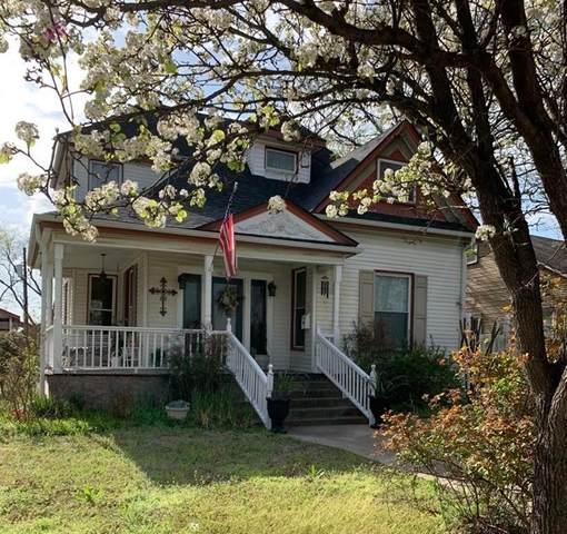 410 N Grand Avenue, Sherman, TX 75090 (MLS #14541608) :: Real Estate By Design