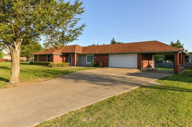 1301 Southview Drive, Waxahachie, TX 75165 (MLS #14542428) :: The Hornburg Real Estate Group