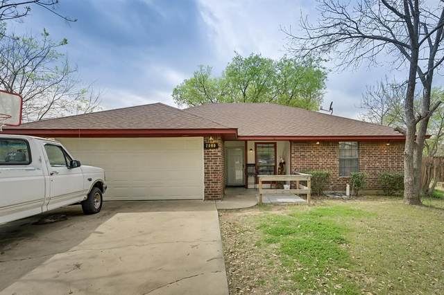 2800 Terry Court, Denton, TX 76209 (MLS #14542619) :: The Mauelshagen Group