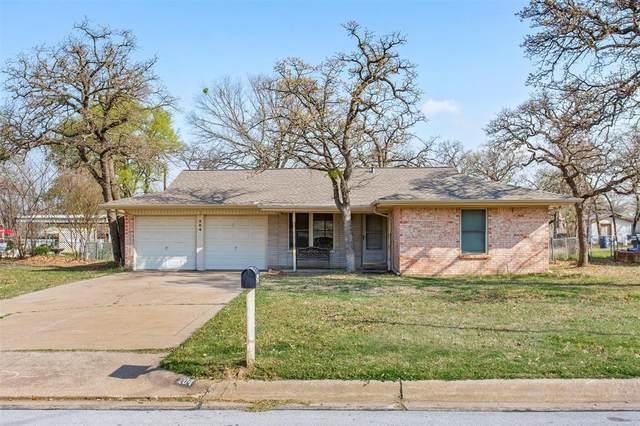 204 W Mistletoe Drive, Kennedale, TX 76060 (MLS #14542773) :: The Rhodes Team