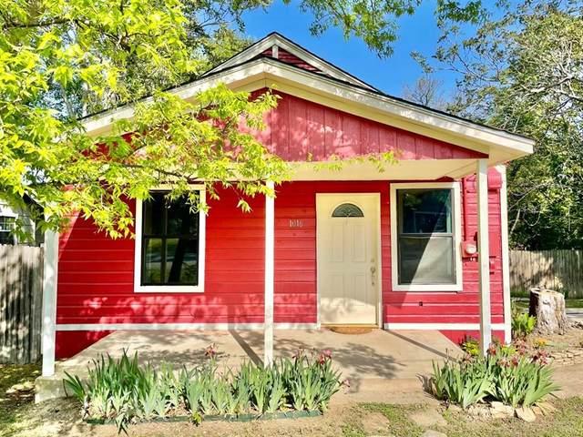 1016 Van Winkle Street, Weatherford, TX 76086 (MLS #14542821) :: RE/MAX Pinnacle Group REALTORS