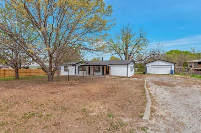 11504 White Leaf Court E, Fort Worth, TX 76135 (MLS #14542843) :: The Kimberly Davis Group