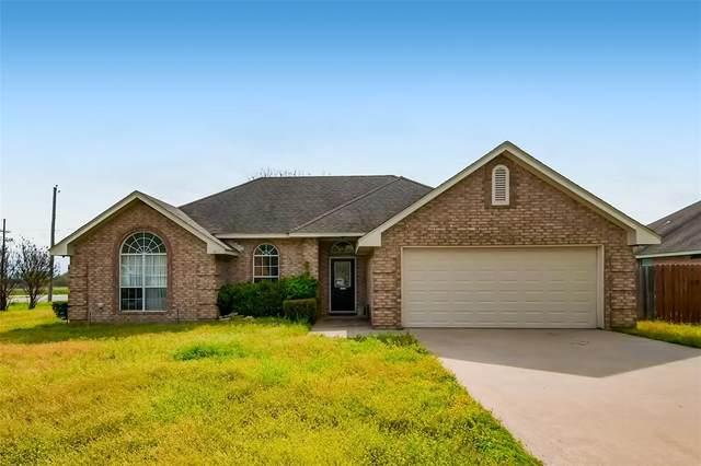 301 Willow Road, Aubrey, TX 76227 (MLS #14543733) :: Robbins Real Estate Group